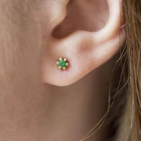 cercei din aur Tiny Green Drops cu smaralde