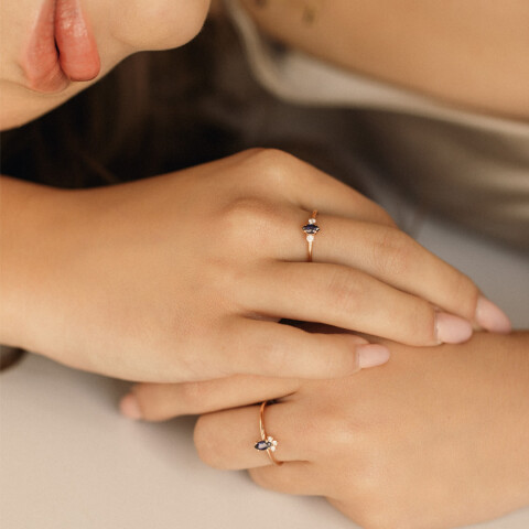 Inel Gentleness cu safir marchiza si diamante