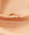 Inel Infinite Embrace cu smarald marchiza si diamante 3